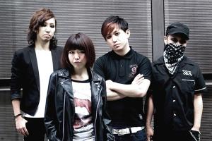 Cantoy, de izquierda a derecha: Catherine (g), miri-pow (v), Ken (d) & HAGA-Chan (b).